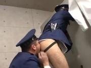 หนังเกย์ญี่ปุ่นหนุ่มหล่อแอบจัดกันในป้อม ถอดกาเงกงในดมรูก้น โม๊กควยกันอร่อยเลยแล้วจัดกันน้ำเงี่ยนระเบิด
