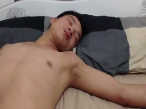 คริปโป๊ PORNนศ ลักหลับเพื่อนหนุ่มนิสิต แอบชักว่าวตอนนอนแล้วขัดขืนซั่มรูตูดสด ไม่ใส่ถุงเลยครับ