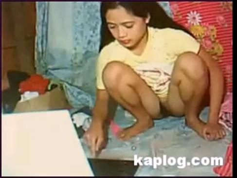 คลิปแอบถ่าย ลูกสาวช่วยตัวเองโชว์เว็บแคม HIDECAM VDO หีเนียนโหนกนูน ยังบริสุทธิ์อยู่เลย