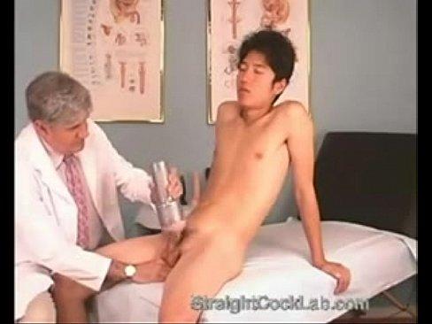 PORN หนุ่มหน้าหวาน ไปหาหมอกระจู๋ไม่แข็งจับใส่เครื่องกระตุ้นควย บิ้วอารมณ์จนขึ้นแล้วจับขย่มบนเตียงคนไข้