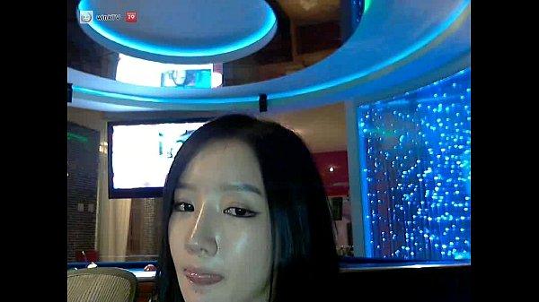 Hot clipxxx !! เน็ตไอดอลดาราดังสาวเกาหลีสุดSEXY เล่นเสียวหน้ากล้องอมควยปลอมเลียจนสะอาดแล้วเอาเสียบหี