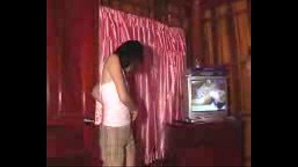 Porn movie ไทยจัดจ้างสาวไซด์ไลน์ เล่นประกบสองรุมหนึ่ง ซอยหีพร้อมกระแทกควยเข้าปาก เสียบจนน้ำแตกในรู