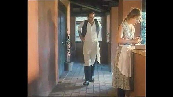 หนังR สาวคนใช้โดนพ่อครัวจับเย็ดแตด ยืนเกี่ยวหีตกเบ็ดน้ำเงี่ยนไหล เต็มรูหีอดไม่ไหวจับซอยท่าหมากระเด้าหีด๊อกกี้
