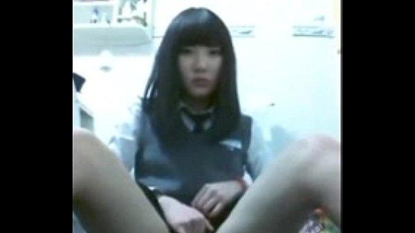 คลิปโป๊นักเรียน โรงเรียนเอกชนนั่งเกี่ยวหีหน้ากล้องไลฟ์โชว์ รัวนิ้วเข้ารูแตดน้องหมวยน่ารักใสใส เงี่ยนอยากโดนเย็ด