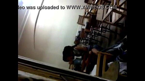 อัดคลิบสาวมหาลัย แอบเย็ดกับแฟนในห้องเรียนขึ้นขย่มควยให้บนเก้าอี้ เสียวแทนเลยคะ