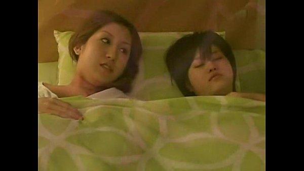 PORN สองสาวเลสเบี้ยนเหงาเปลี่ยวนั่งนอนเกี่ยวหีกันเอง น้ำแตกคามือจับจิ้มตีฉิ่งมันส์ สาวสวยนมโตบีบทีล้นมือ
