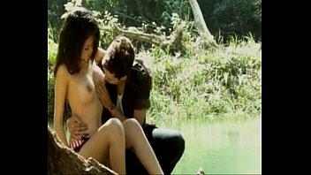 """หนังโป๊ออนไลน์ """"รักฉันผัวเขา"""" สาวสวยถูกใจแฟนเพื่อนบ้านแก้ผ้ายั่วกลางริมน้ำ เย็ดกันในป่าดูดนมนัดกันไปเย็ดต่อที่บ้าน"""